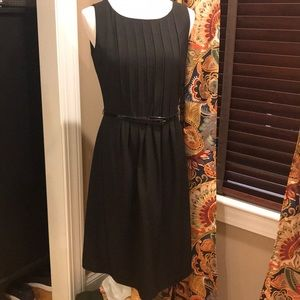 Calvin Klein Pleated dress w Belt SZ 4